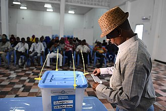 Politics of Somalia - A delegate from Somaliland votes during December 2016 elections in Mogadishu
