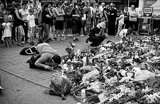 2016 Munich shooting - Flowers laid at the mall after the shooting