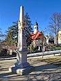 20190216215DR Rabenau Postdistanzsäule und St Egidien Kirche.jpg