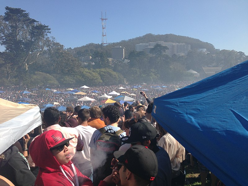 420 Celebration Golden Gate Park 4-20-2013.jpg