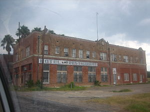U.S. Route 83 in Texas - Image: Abandoned hotel and restaurant on U.S. Highway 83 IMG 1749
