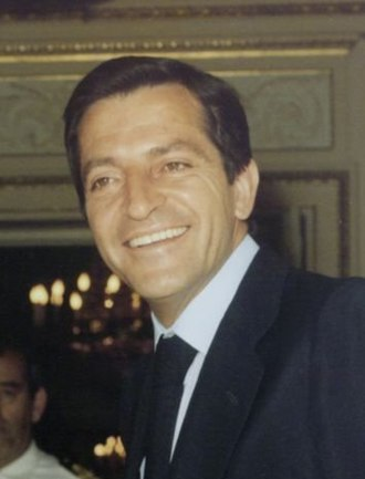 Adolfo Suárez - Image: Adolfo Suárez recibe al secretario general de Convergencia Democrática de Cataluña. Pool Moncloa. 16 de marzo de 1978 (cropped)