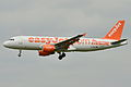 "Airbus A320-200 easyJet (EZY) ""Moscow"" G-EZUG - MSN 4680 (10276068873).jpg"