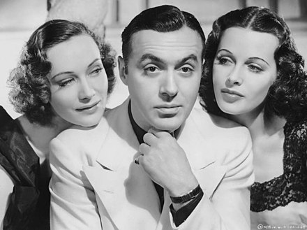 Sigrid Gurie (left) and Hedy Lamarr (right) were Charles Boyer's leading ladies in Algiers (1938) Algiers 1938 (3).jpg