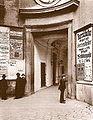 Altes Burgtheater Eingang 1880.jpg