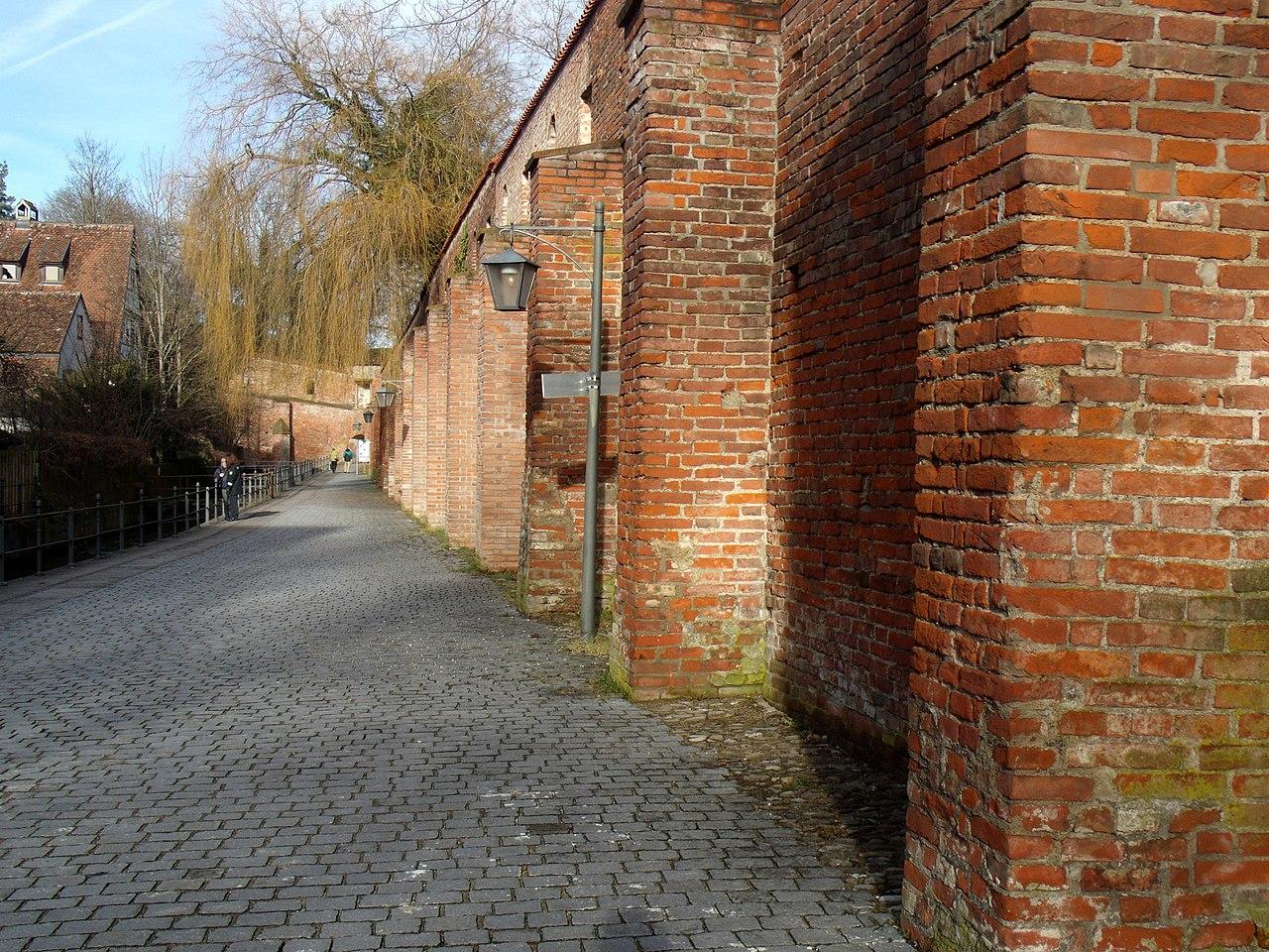 An der Stadtmauer - panoramio.jpg