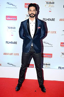 Angad Bedi gracing 'Filmfare Glamour & Style Awards 2016'.jpg
