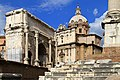Arco di Settimio Severo (202-203 d.C.) e chiesa dei Santi Luca e Martino - panoramio.jpg