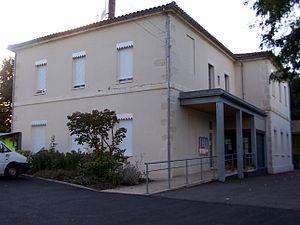 Argenton, Lot-et-Garonne - The town hall and school in Argenton