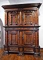 Armoire à deux corps-1631-Musée de l'Œuvre Notre-Dame.jpg