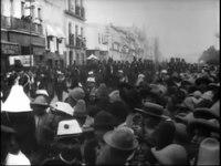 File:Auguste & Louis Lumière - Mexico. Transport de la cloche de l'Indépendance (1896).webm