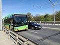 Autobus Solaris Urbino 18 MPK Poznań linii 174 na moście Królowej Jadwigi w Poznaniu - maj 2021.jpg