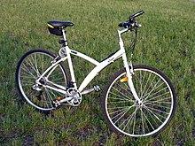 60660145493 Een fiets van het merk B'Twin