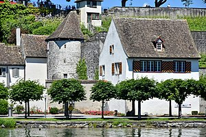 Einsiedlerhaus - Lakeshore at the Kapuzinerkloster and Endingen in Rapperswil: Einsiedlerhaus and Endingerturm gate, ''Lindenhof'' hill and the Rapperswil Castle in the background, as seen from  Zürichsee-Schifffahrtsgesellschaft (ZSG) ship MS ''Helvetia'' on Zürichsee.