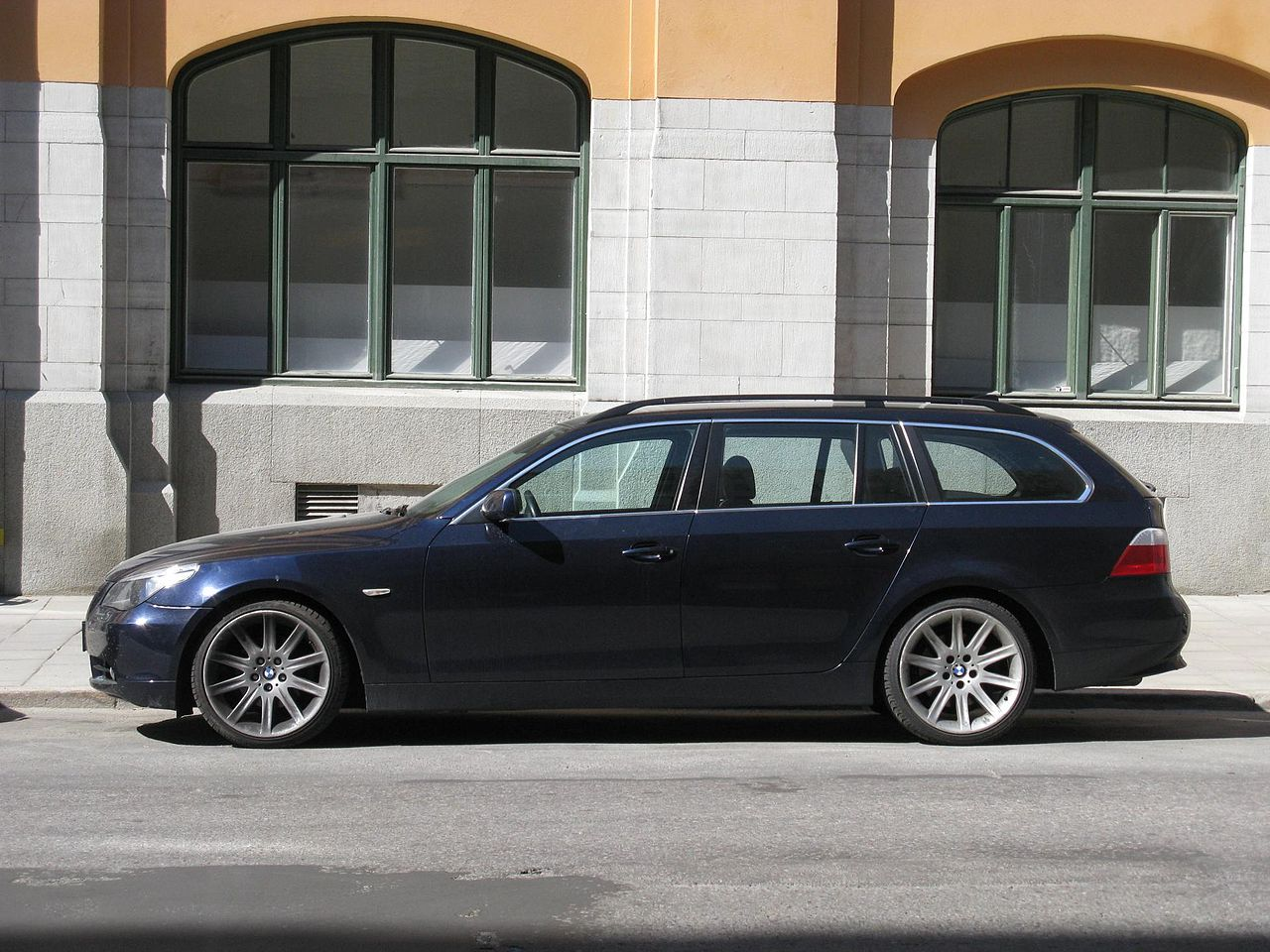 file bmw 535d touring 4693654911 jpg wikimedia commons. Black Bedroom Furniture Sets. Home Design Ideas