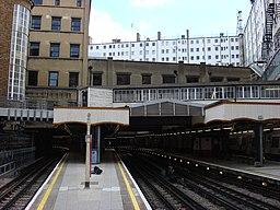 Baker Street Metropolitan platforms