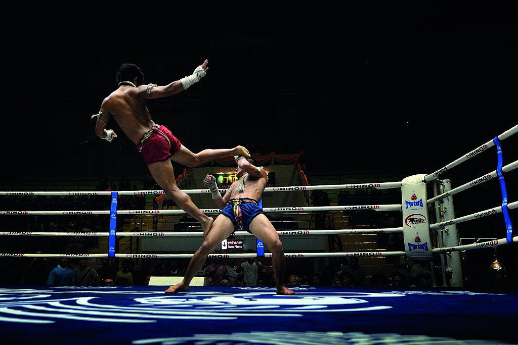 Boxe thai au Lumpinee boxing stadium à Bangkok - Photo de Mr.Peerapong Prasutr