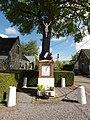 Barenton-sur-Serre (Aisne) monument aux morts avec croix.JPG