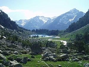 Besiberri Massif - Glacial lake in the Besiberri Massif