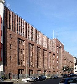 Berlin, Schoeneberg, Winterfeldtstrasse 19-23, Fernmeldeamt 1.jpg