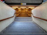 Berlin - U-Bahnhof Turmstraße (9487854923).jpg