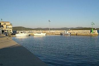 Betina, island of Murter, Croatia - harbour 14.10.2007. 077.jpg