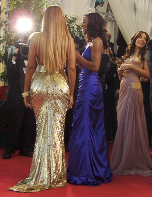 Red carpet fashion in 2007 - Beyoncé and Evangeline Lilly at the 64th Golden Globe Awards on January 15, 2007
