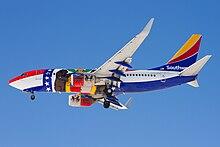 Boeing 737-700 (Southwest Airlines) at Denver.jpg