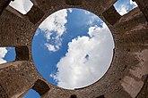 Fil:Borghom Castle internal view 3.jpg