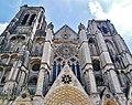 Bourges Cathédrale Saint-Étienne Fassade 3.jpg