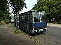 Budapešť, Népliget, čekající městský bus.JPG