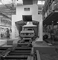 Bundesarchiv B 145 Bild-F027638-0002, München, BMW Autowerk.jpg