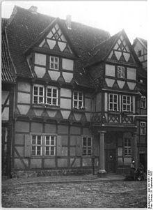 Klopstocks Geburtshaus in Quedlinburg, Aufnahme von 1952 (Quelle: Wikimedia)