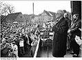 Bundesarchiv Bild 183-1990-0303-006, Wismar, Volkskammerwahl, CDU-Wahlkundgebung.jpg