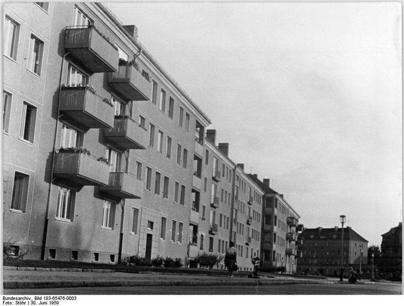 file bundesarchiv bild 183 65476 0003 berlin pankow am. Black Bedroom Furniture Sets. Home Design Ideas