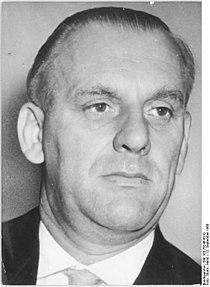Bundesarchiv Bild 183-76246-0010, Berlin, Staatsratsmitglied Erich Grützner.jpg