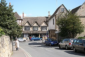 English: Burford: Sheep Street and High Street...