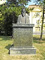 Bust of Louis I of Poland by Éva Varga, 2009-08-02 Mezőtúr.jpg
