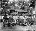 COLLECTIE TROPENMUSEUM Een groep jonge mannen (Bujang baru) in Penoekal Java TMnr 10002924.jpg