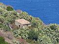 Casa aislada junto al Santuario, Tindari, Sicilia, Italia, 2015.JPG