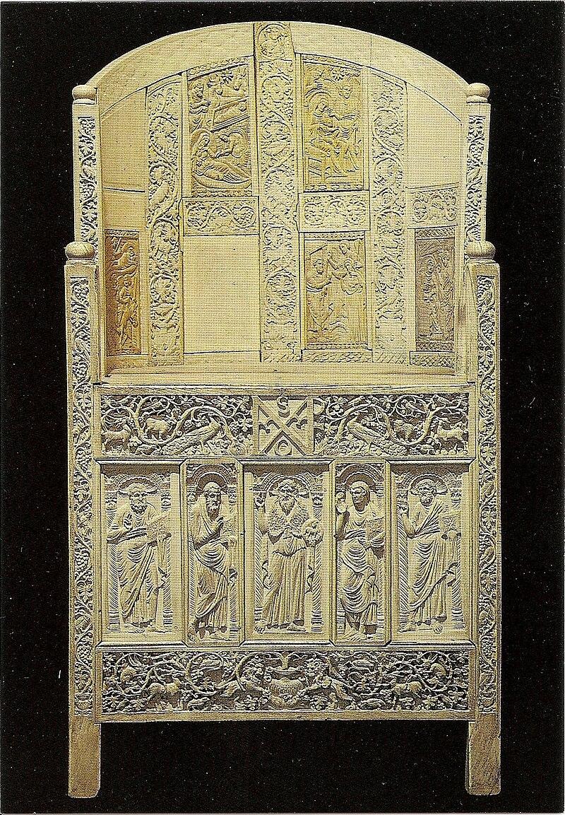 Catedra de Maximiano.jpg