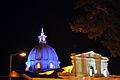 Catedral Basílica de Nuestra Señora de la Asunción nocturna.JPG