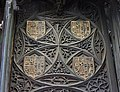 Catedral de Segovia - Sillería del coro (Escudos de Juana de Portugal).jpg