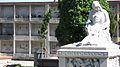 Cementerio Central - Detalle de panteón Mercedes Pons y nichos al fondo.JPG