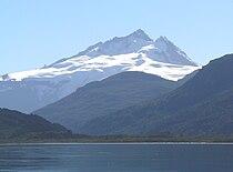 Cerro tronador desde lago mascardi 01b.jpg