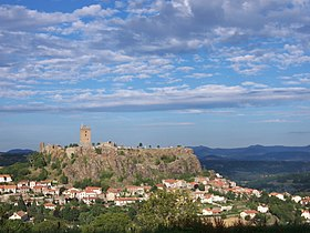 Vue actuelle du château et du village de Polignac
