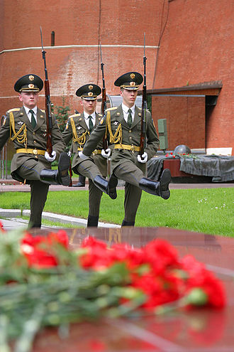 Aiguillette - Soldiers of Prezidentskiy polk (The Presidential Regiment), Alexander Garden, Moscow