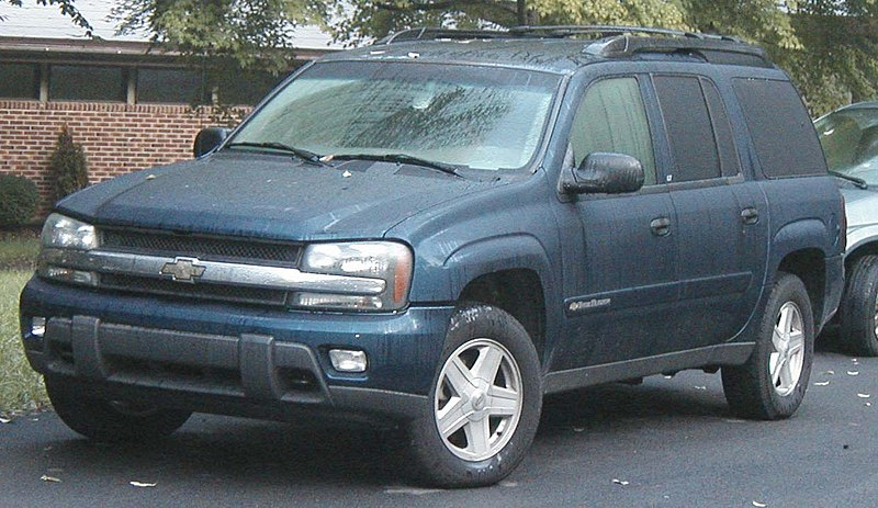 AUTOMOTIVE CAR PICTURES  Chevy TrailBlazer