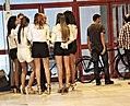 Chicas DSCN1661 (15596353517).jpg