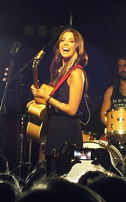 Christina Perri concert in 2012 (cropped).jpg